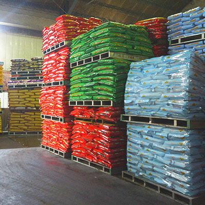 福壽寵物食品專業廠,嚴格的環境控制,自動化包裝、全廠電腦連線監控廠房狀態、全廠區HACCP食品風險危害控管認證,從原料入廠就開始監控、全程管理直到倉儲運送
